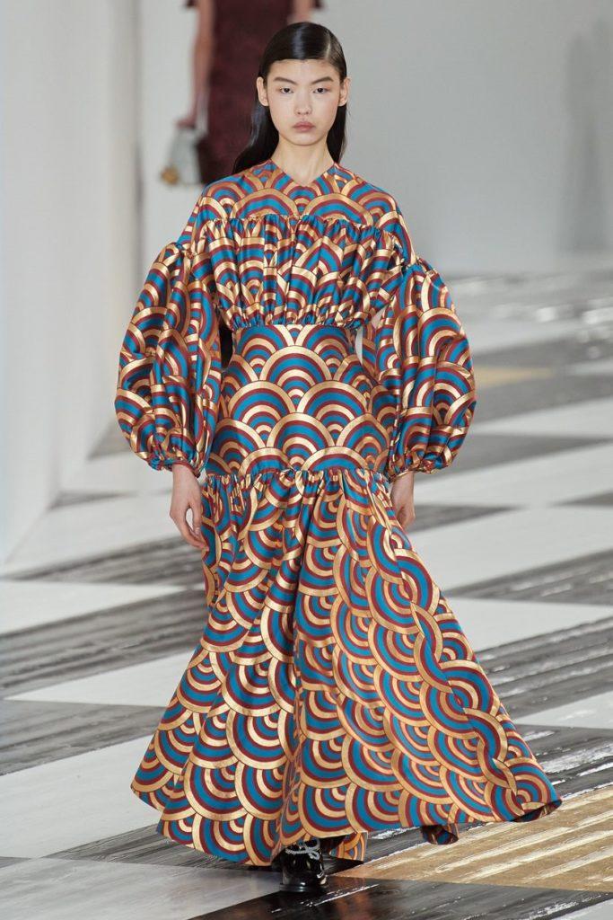 لباس مجلسی بلند پوشیده آستین پفی از برند Loewe