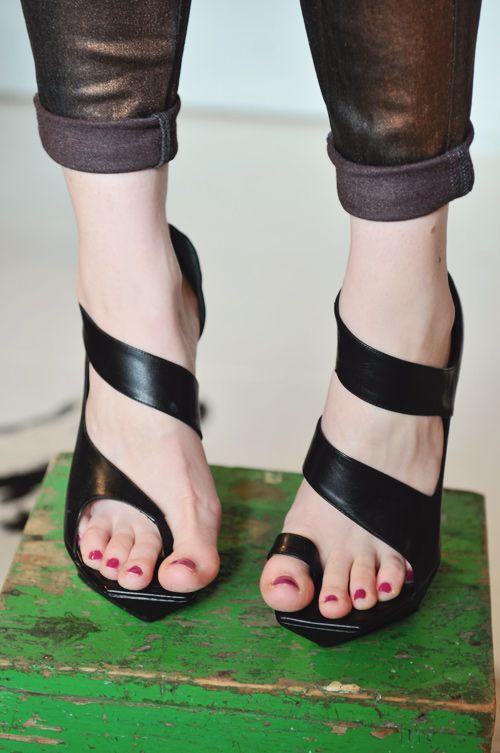 سندل و کفش مجلسی ناقرینه