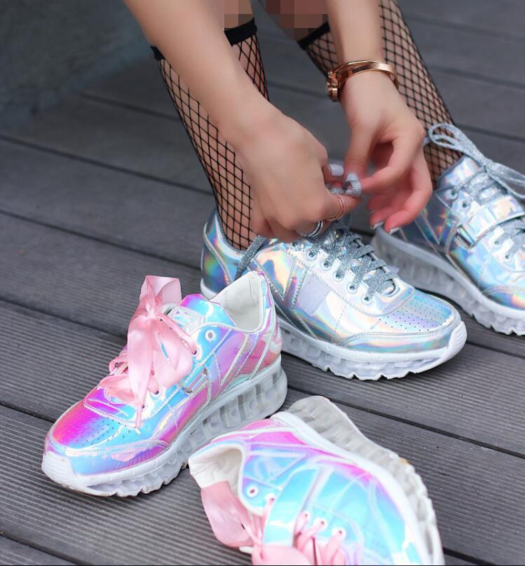 کفش اسپورت هولوگرام