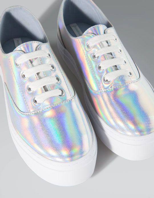 کفش آینهای یا Hologram