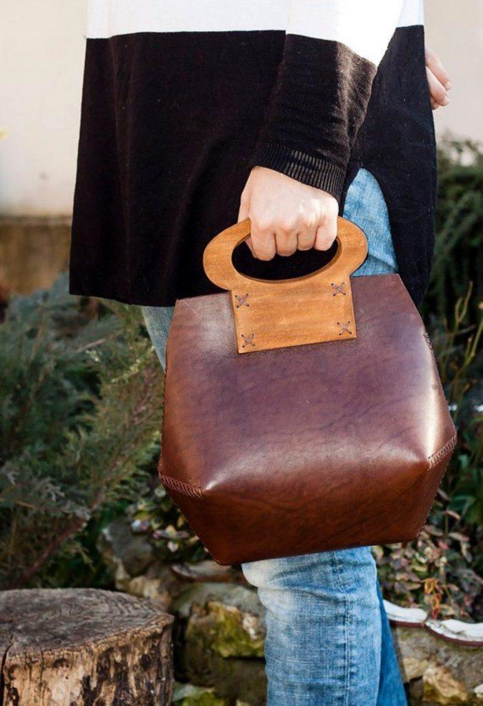 کیف هایی با متریال چرم و چوب