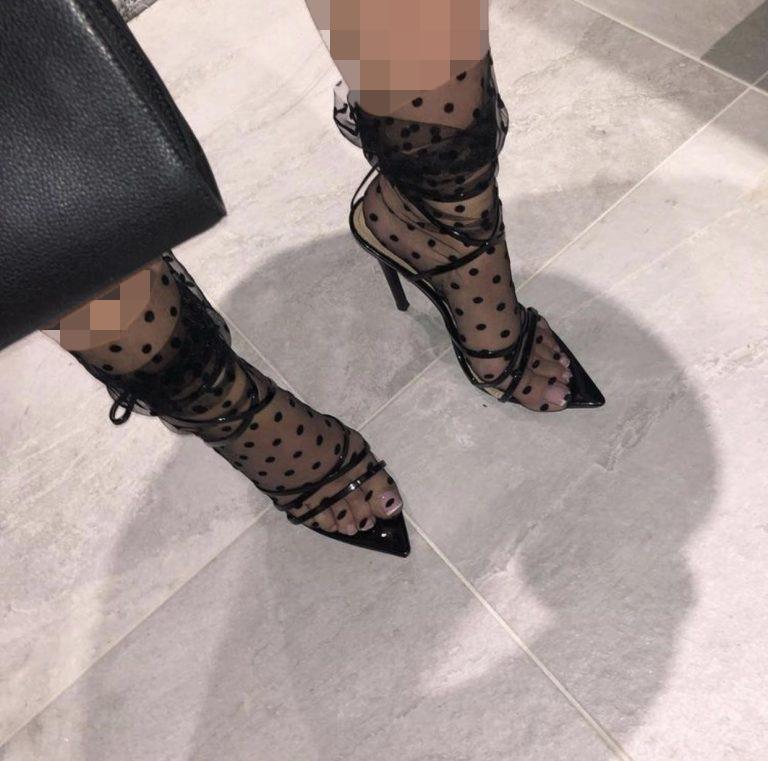 کفش های باز با جوراب طرحدار