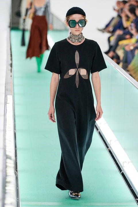 مدل جدید لباس مجلسی کرپ با برش گل دار