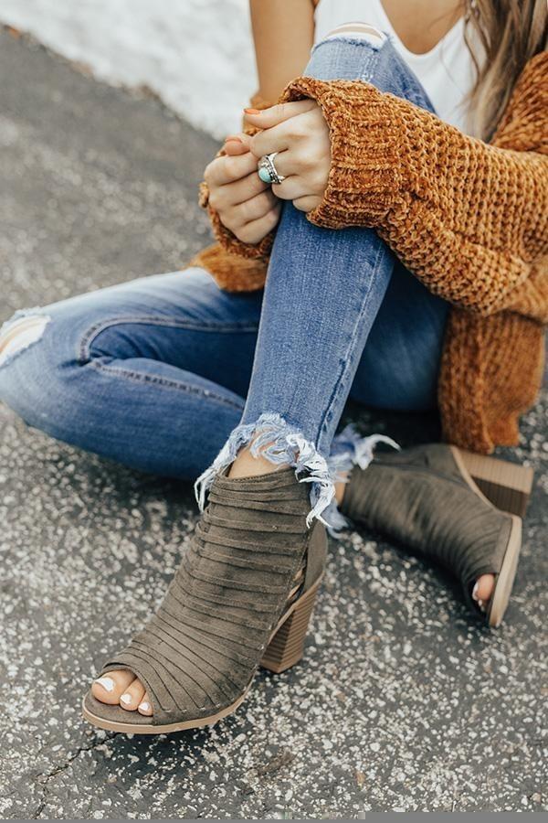 کفش جلو باز پاییزی