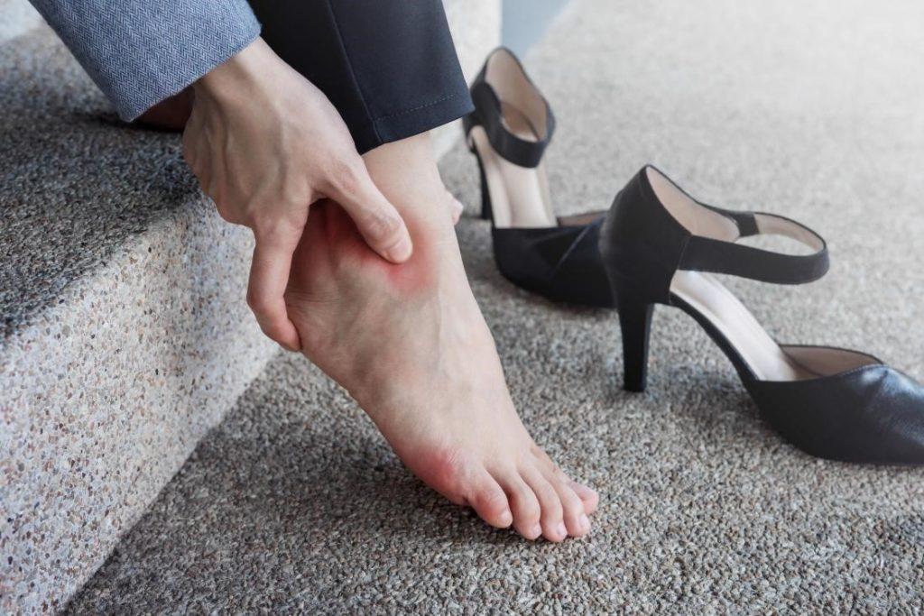 جواب علمی برای ارتباط کوتاهی قد و کفش پاشنه بلند