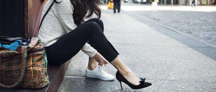 آیا کفش پاشنه بلند برای دیسک کمر ضرر دارد؟ (راهکارهای پوشیدن کفش پاشنه بلند)