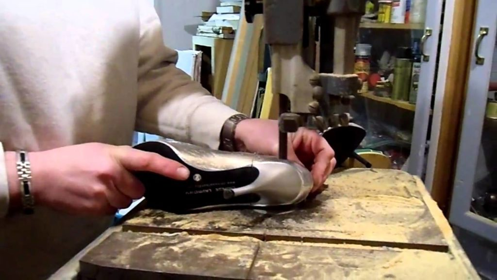 تعمیر کفش پاشنه بلند