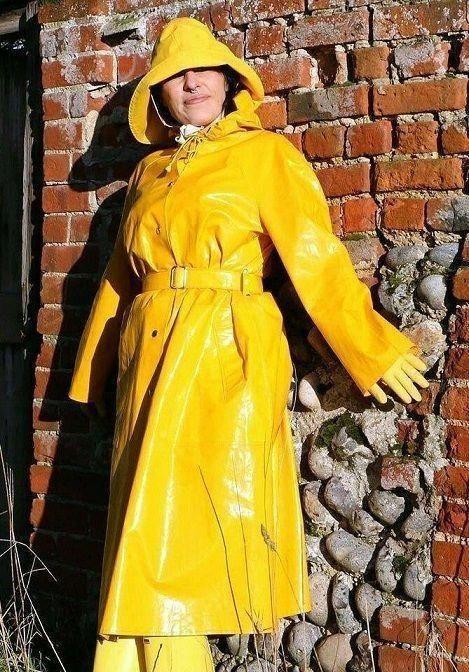 مدل جدید بارانی زنانه و دخترانه (جدیدترین مدلهای بارانی سال ۲۰۲۰ همراه با تصویر)