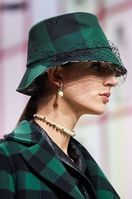 مدل جدید شلوارک چرم زنانه