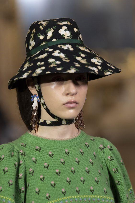مدل جدید کلاه بوکت گلدار برند Vivetta