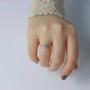 انگشتر برای انگشت ظریف و کوچک