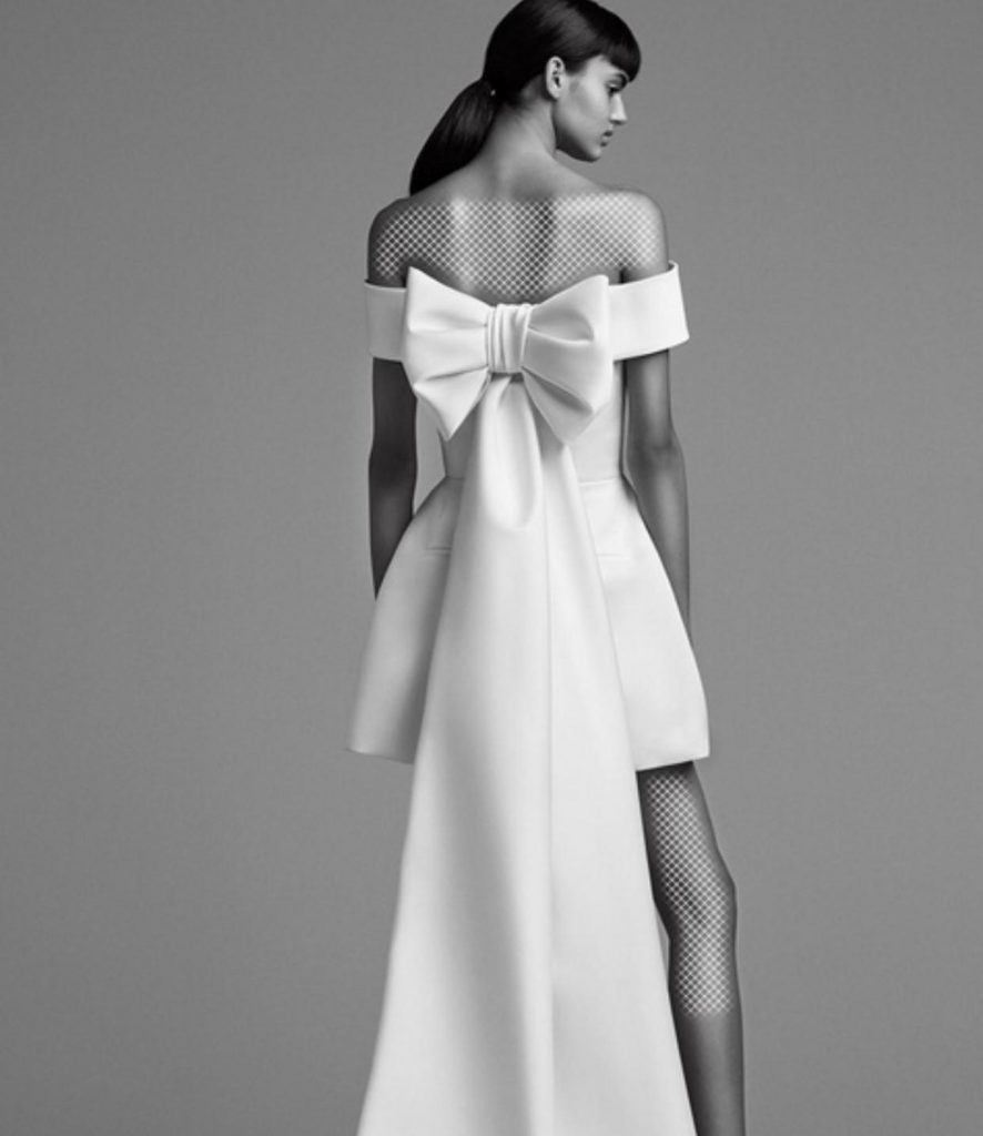 مدل لباس مجلسی کوتاه با تزئین اغراق آمیز