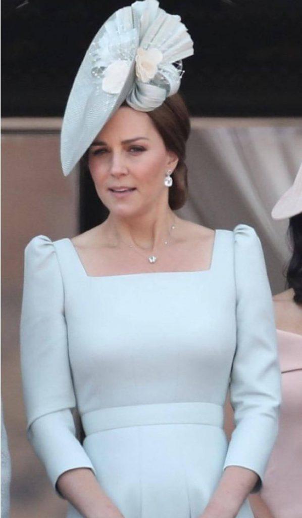مدل یقه چهارگوش (مدل خشتی) در لباس های مجلسی زنانه