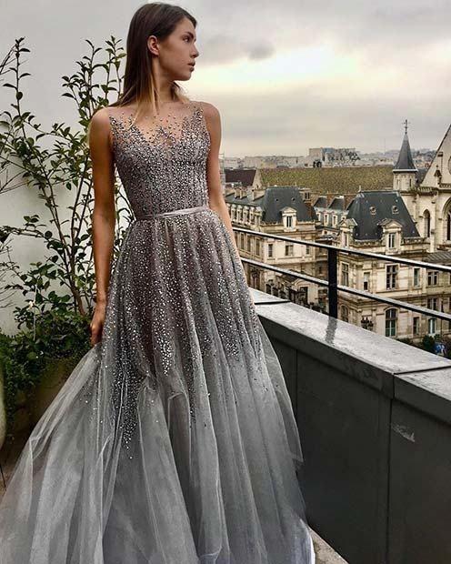 نقره ای رنگی مناسب برای انتخاب لباس عروس