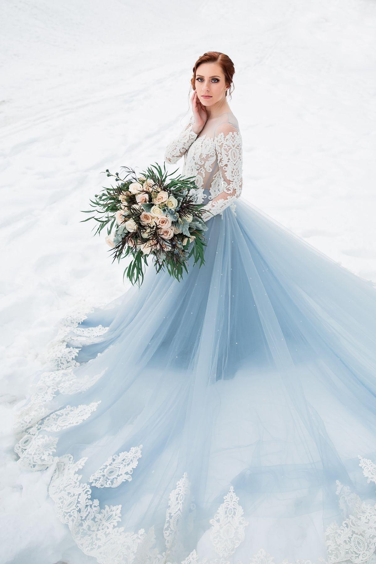 کدام رنگ لباس عروس، برای کدام تناژ رنگی پوست مناسب است؟