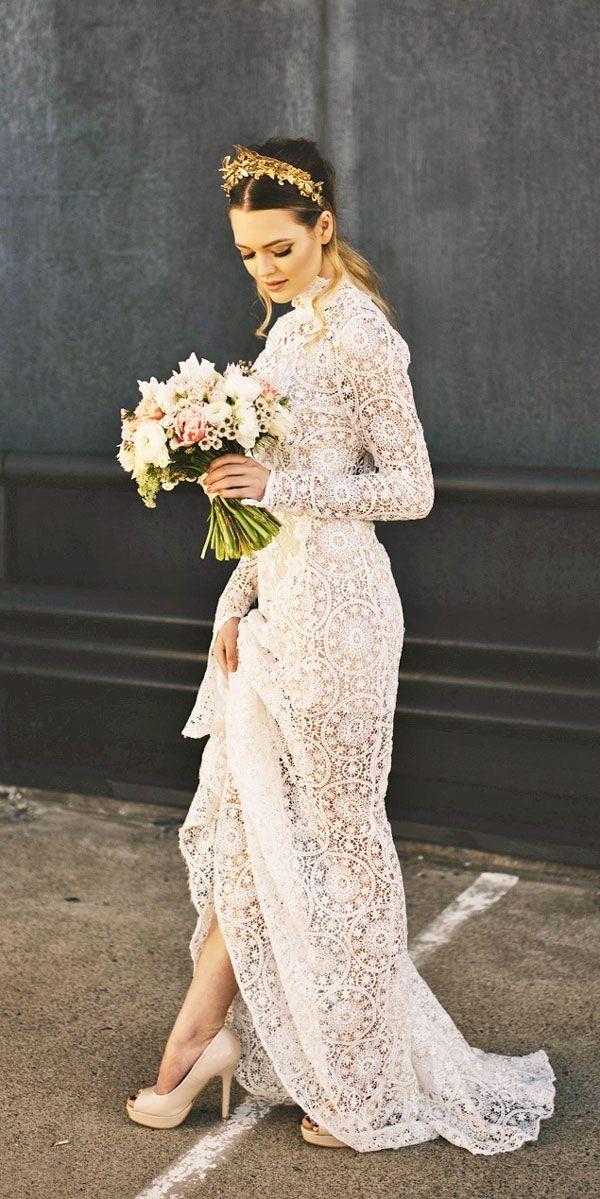 سفید عاجی یا نباتیبرای رنگ لباس عروس