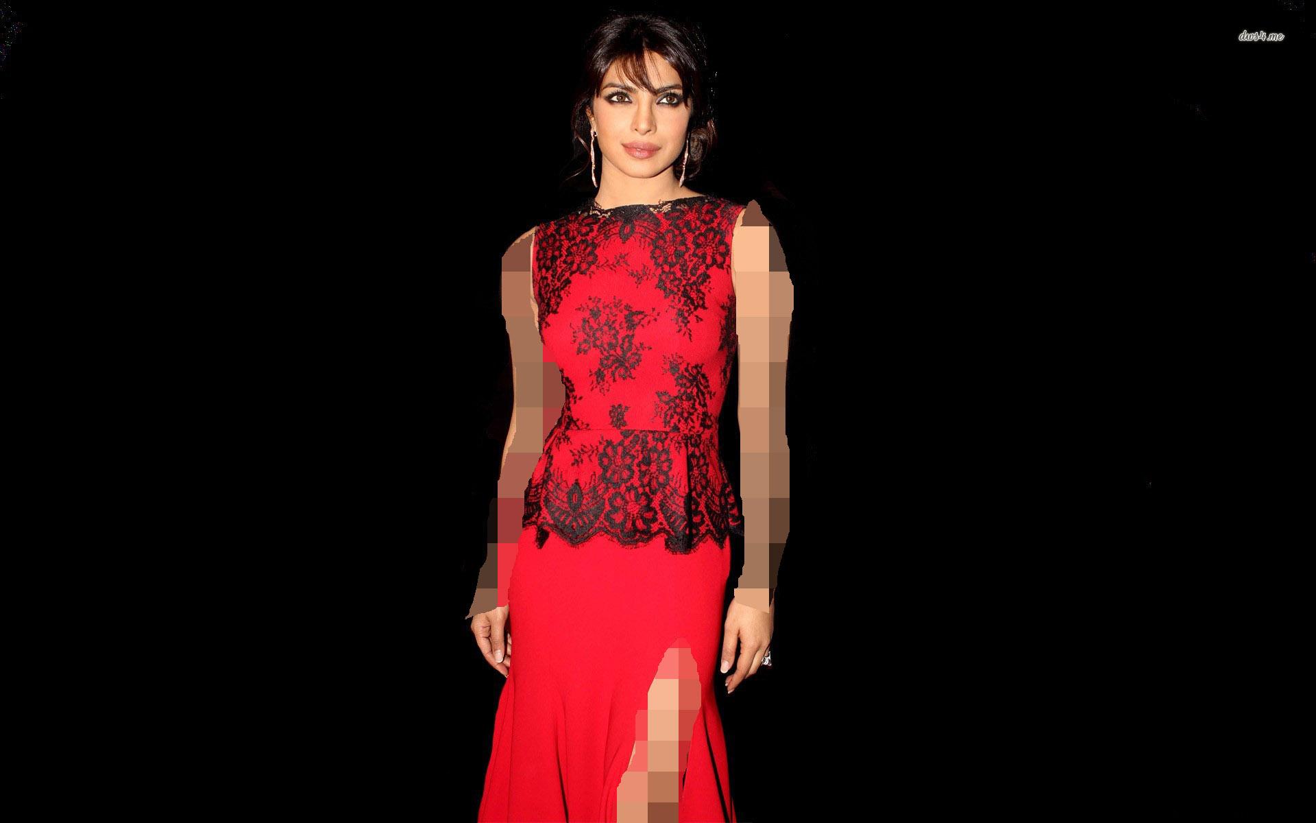 رنگ موی مشکی و لباس قرمز