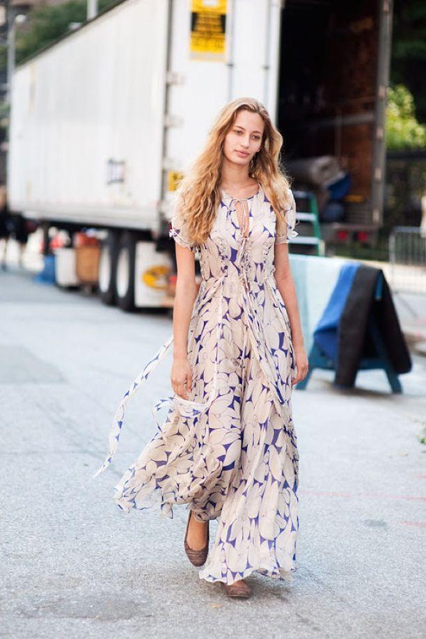 لباس بلند و کفش تابستانی