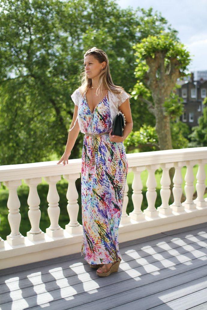 لباس بلند و کفش پاشنه بلند