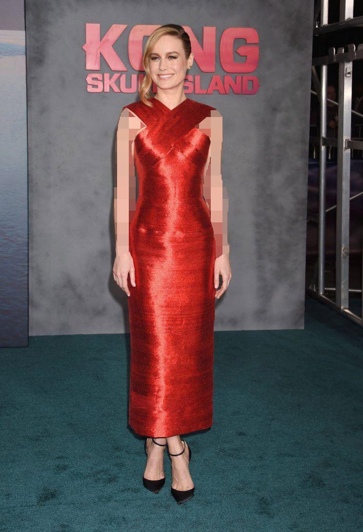 لباس مجلسی قرمز و موی هایلایت
