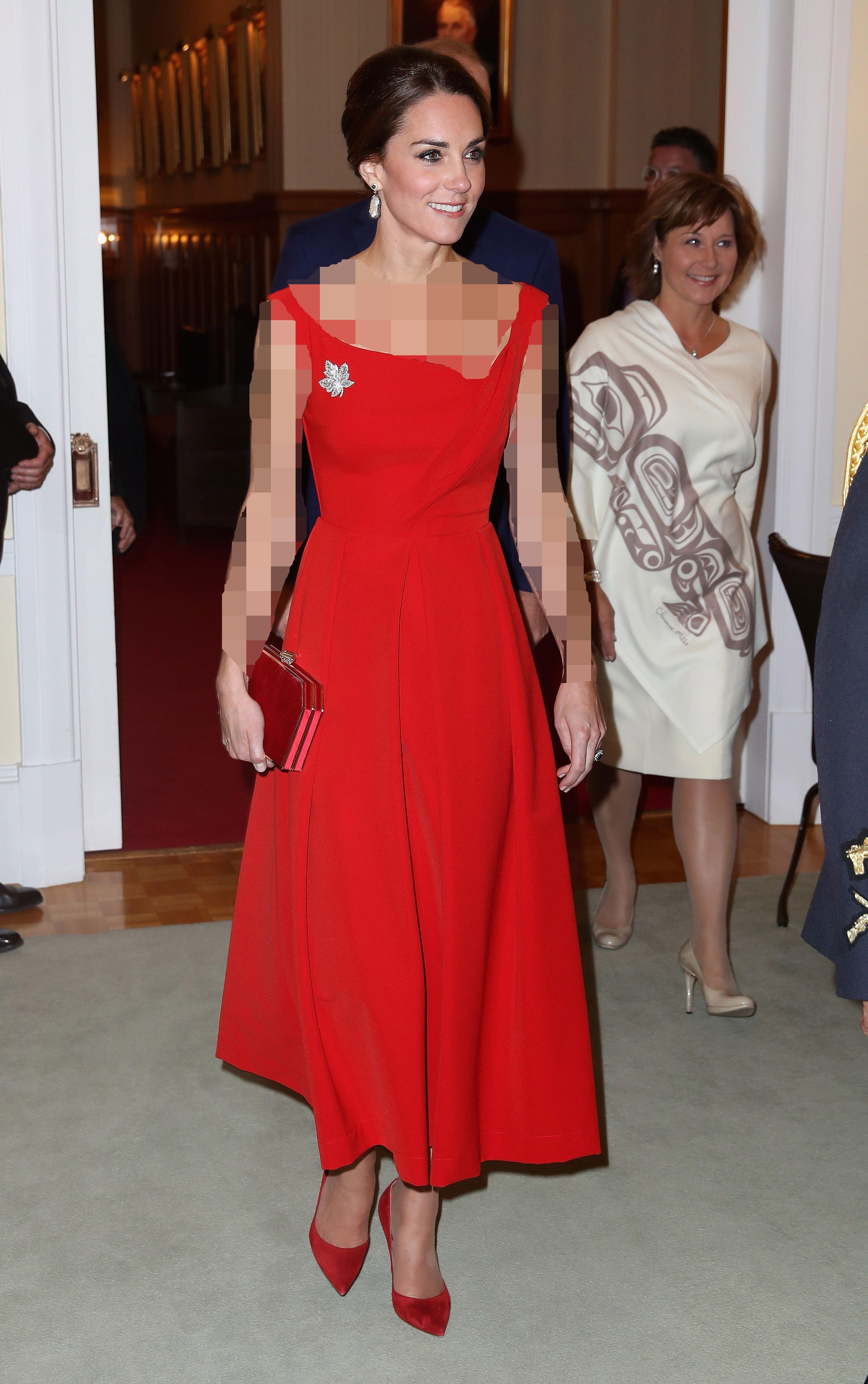لباس مجلسی قرمز و موی خرمایی